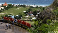 Terletak di balik tebing di area Kuta Selatan, Kabupaten Badung, Bali, Pantai Pandawa sungguhlah menarik hati. Pantai ini memiliki hamparan pasir putih di sepanjang garis pantai.