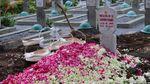 Momen Pemakaman Eks Menteri Kehakiman Muladi