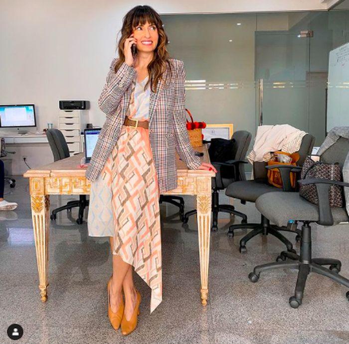 Pesona Bianca Adinegoro, Istri Cantik Menteri Perdagangan Saat Kulineran
