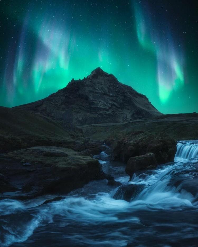 Alam adalah tempat yang indah dan selalu menyenangkan untuk melihat beberapa hal yang menakjubkan.