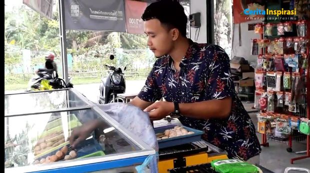 Usai Diterjang Ombak, Mantan Nelayan Ini Pilih Jualan Jajanan