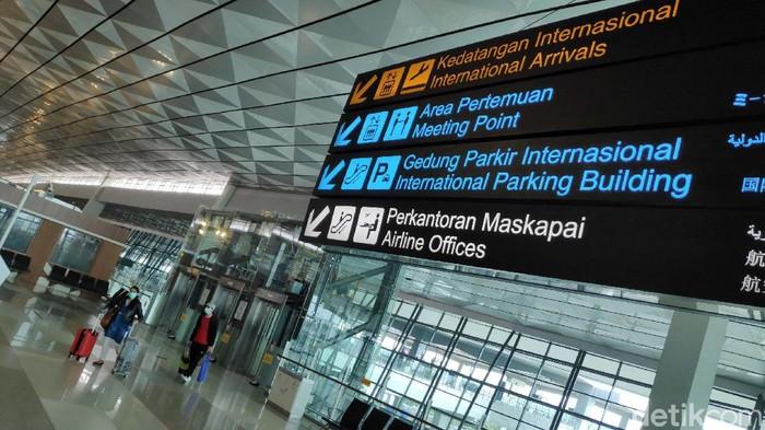 Mulai 1-14 Januari 2021, warga negara asing (WNA) dilarang masuk Indonesia. Begini kondisi di Terminal 3 Bandara Soekarno Hatta, Tangerang, Jumat (1/1/2021).