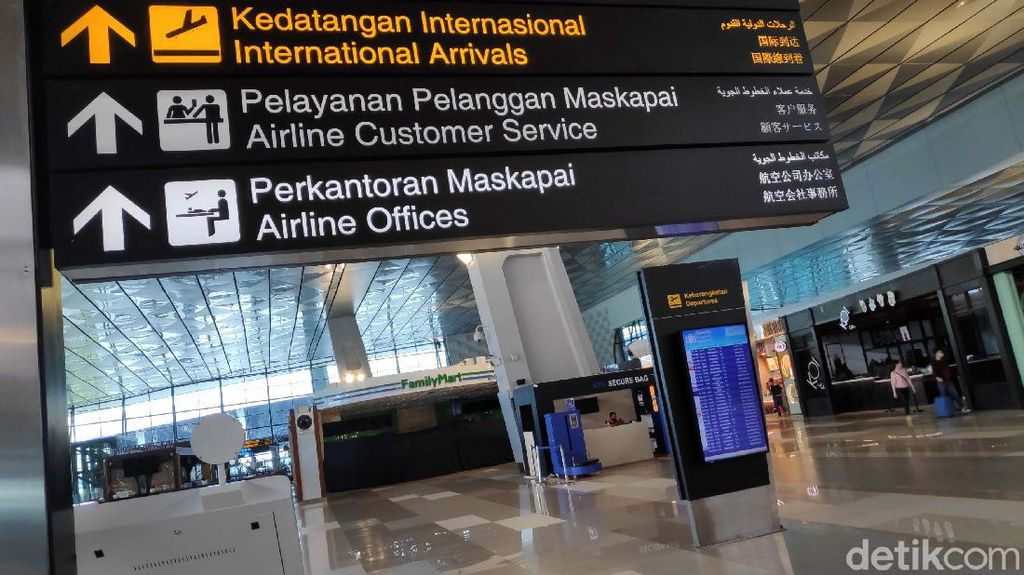 Mulai Februari, Bandara Soetta Terapkan Validasi Surat Tes COVID-19 Digital