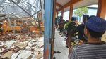 Atap Sekolah di Ciamis Ambruk Imbas Hujan Deras