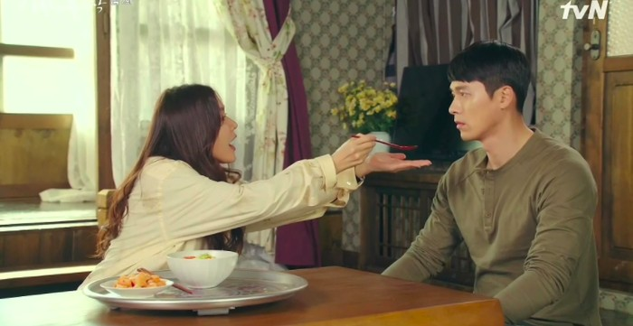 Di 'Crash Landing on You', Ini 7 Makanan Favorit Son Ye Jin dan Hyun Bin