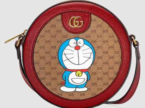 Gucci berkolaborasi dengan Doraemon rilis koleksi khusus Imlek.