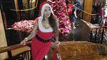 Momen Kiki Fatmala Rayakan Natal