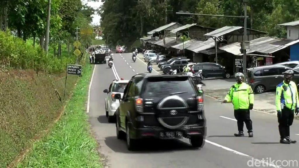 Pemeriksaan Rapid Antigen di Perbatasan Subang-Bandung