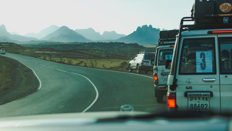 Ilustrasi road trip