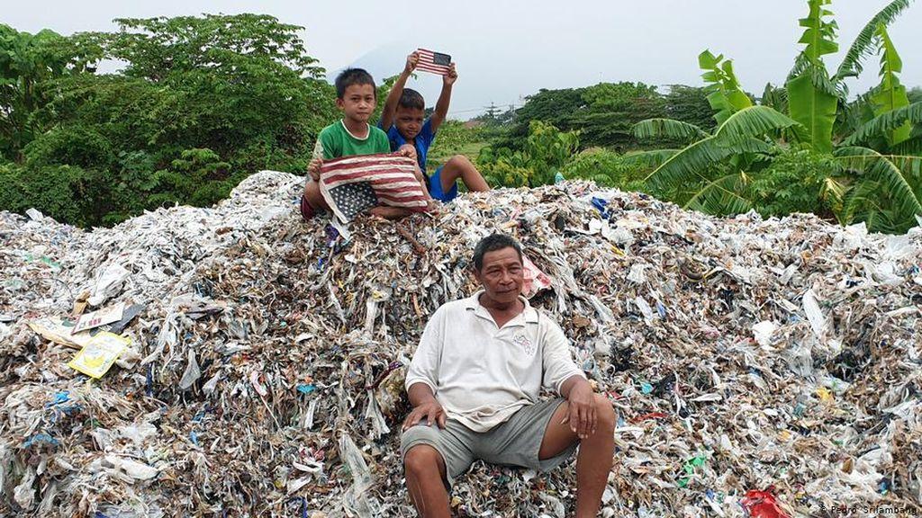 Sampah Plastik Desa Bangun, Antara Sandaran Hidup dan Ancaman