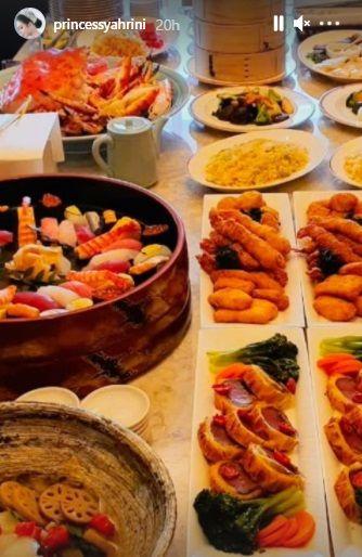 Momen Syahrini Dimajakan Makanan Mewah oleh Reino Barack