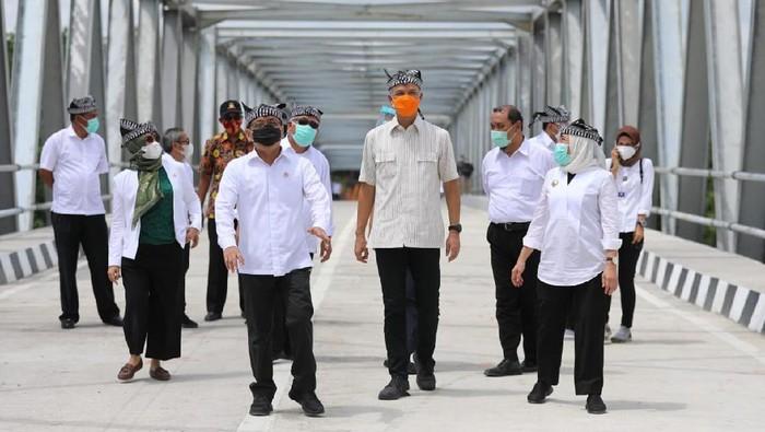 3 Menteri dan Ganjar Resmikan Jembatan