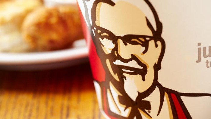 Colonel Sanders KFC Kini Tampil Lebih Langsing dan Seksi