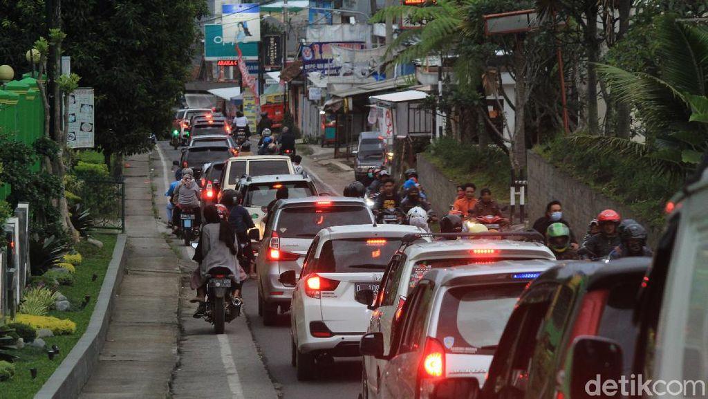 Hari Terakhir Libur Nataru, Jalur Ciwidey-Soreang Sempat Macet