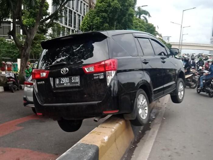 Kecelakaan di Jaksel (TMC Polda)