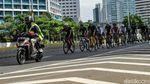 Warga Jakarta Ramai-ramai Bersepeda di Minggu Pertama 2021