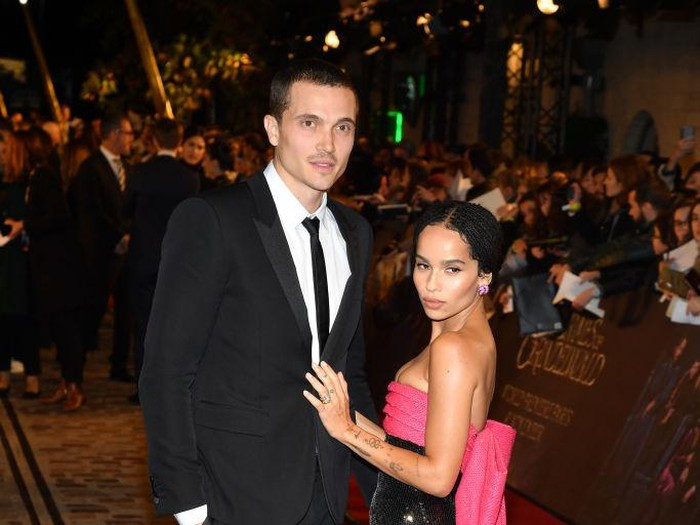 PARIS, FRANCE - NOVEMBER 08:  Karl Glusman and  Zoe Kravitz attend Fantastic Beasts: The Crimes Of Grindelwald World Premiere at UGC Cine Cite Bercy on November 8, 2018 in Paris, France.  (Photo by Pascal Le Segretain/Getty Images)