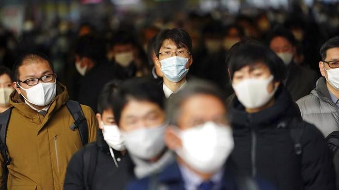 Dilansir Reuters, Senin (4/1/2021) Jepang mencatat rekor 4.520 kasus baru Corona pada 31 Desember dalam gelombang baru infeksi.
