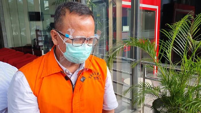 Eks Menteri Kelautan dan Perikanan, Edhy Prabowo usai diperiksa KPK