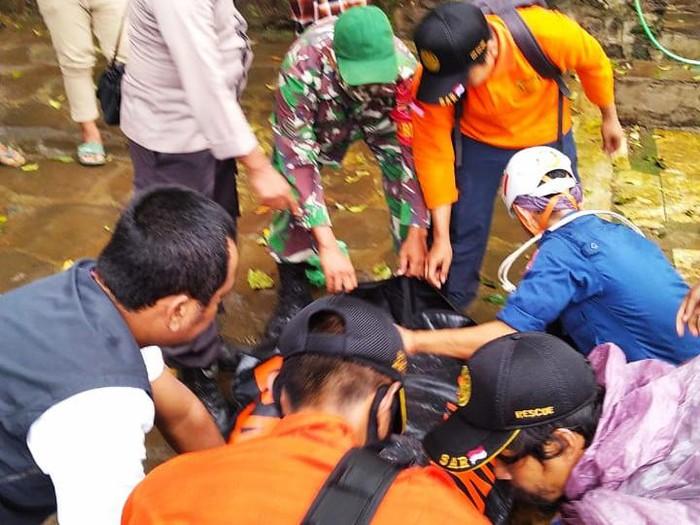 Jatuh ke Jurang, Seorang Pendaki Gunung Rinjani Ditemukan Tewas
