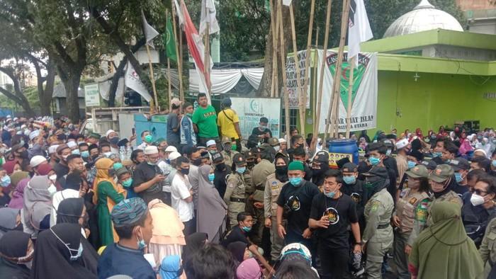 Jemaah pengajian UAS di Medan mulai membubarkan diri (dok. detikcom)