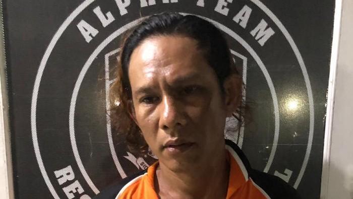 Pelaku penikam polisi di Makassar (Foto: Istimewa)