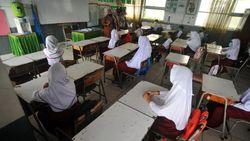 Beda Nasib Sekolah Tatap Muka di Berbagai Daerah