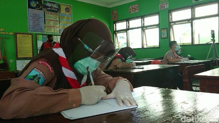 sekolah tatap muka di Trenggalek