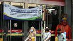 Suasana Pasar Tanah Abang Saat PSBB Transisi Diperpanjang
