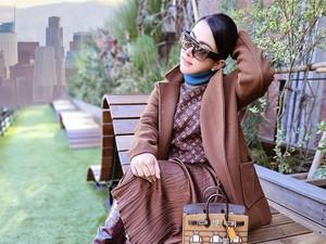 Syahrini Pose Bawa Tas Rp 2,5 M, Dikritik karena Edit Foto di Jepang Jadi LA
