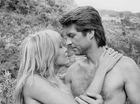 Tanya Roberts dan Ted Wass di film Sheena.