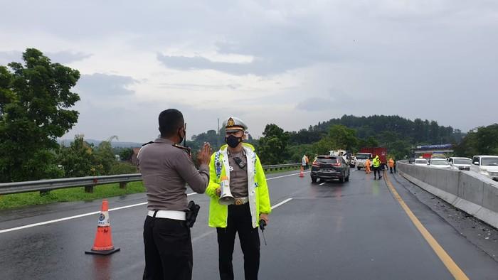 TKP Kecelakaan beruntun di Tol Semarang-Solo KM 428, Kabupaten Semarang, Senin (4/1/2021).
