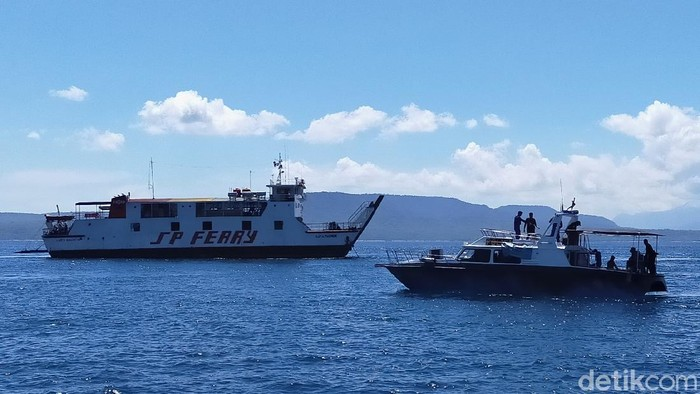Vaksin COVID-19 Menuju Bali Diangkut Kapal Khusus Saat Menyeberang di Pelabuhan ASDP Ketapang