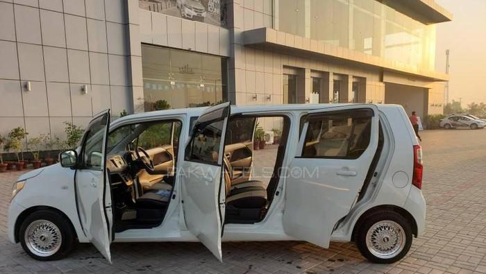 Wagon R dimodifikasi limusin