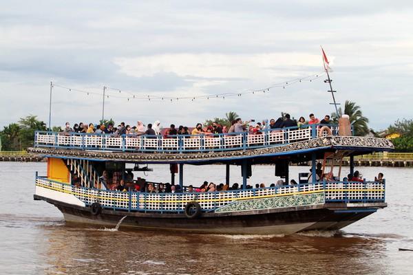Sungai terpanjang di Indonesia adalah Sungai Kapuas. (ANTARA FOTO/JESSICA HELENA WUYSANG)