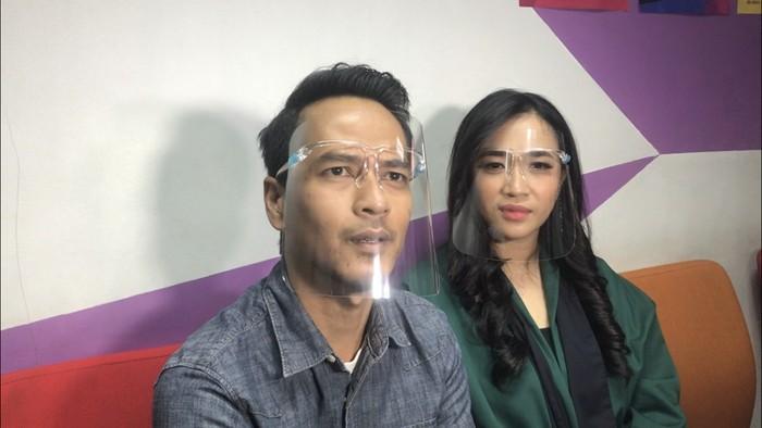 Adhietya Mukti pernah dituduh oleh netizen sebagai pemeran pria dalam video seks Gisella Anastasia. Kala itu, ada seorang netizen yang menandai Instagramnya.