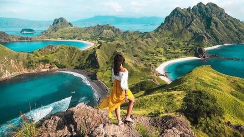 Momentum kebangkitan pariwisata nasional mulai terlihat dari gerak cepat Menteri Pariwisata dan Ekonomi Kreatif (Menparekraf) Sandiaga Uno membenahi infrastruktur di daerah pariwisata, Labuan Bajo salah satunya.