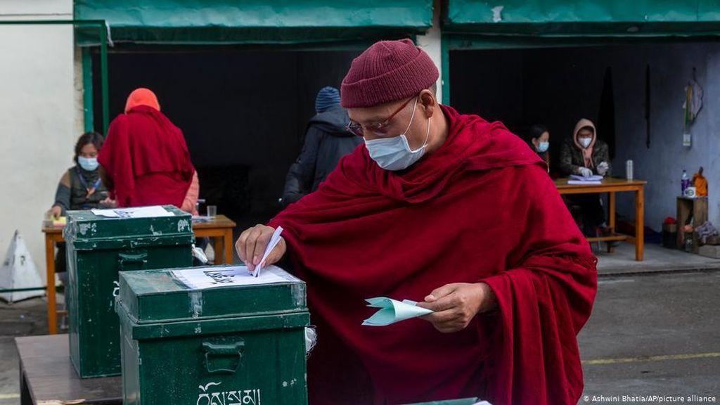 Diaspora Tibet Pilih Pemerintahan Baru Eksil di India