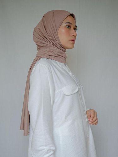 Tren hijab pashmina bahan katun selama pandemi Corona