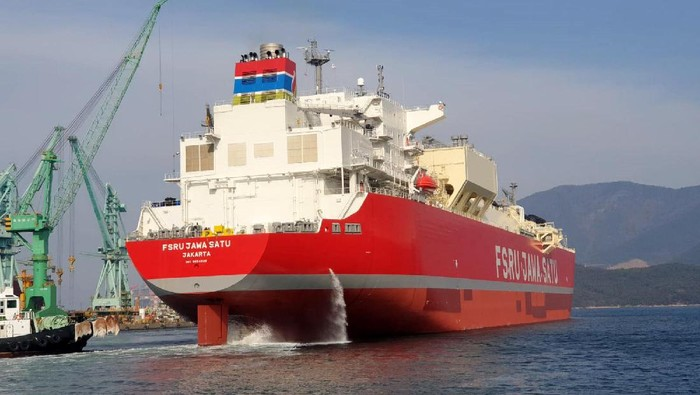Kapal Floating Storage Regassification Unit (FSRU) Jawa Satu telah berlayar menuju Indonesia. Kapal ini diperkirakan berlabuh di Cilamaya Februari mendatang.