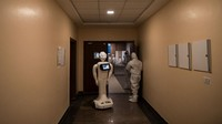 NEW DELHI, INDIA - DECEMBER 05: A robot used to assist Covid-19 patients is seen in an elevator on December 5, 2020 in New Delhi, India. The