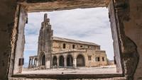 Sanatorio de Abona, begitulah nama kota hantu di Spanyol itu. Kota ini berada tak jauh dari Tenerife, yang terkenal dengan wisata pantai dan sinar mentarinya. Kota ini dibangun pada tahun 1943.
