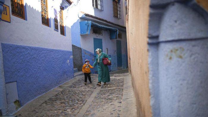 Saat Corona melanda Maroko, kota Chefchaouen jadi salah satu kota yang tak daftarkan kasus COVID-19. Guna cegah Corona, kota itu tutup akses dengan dunia luar.