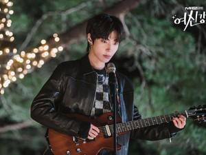 Spoiler Episode 8 True Beauty, 6 Akting Hwang In Yeop Si Seo Jun Bikin Baper