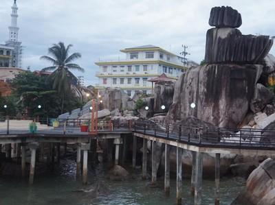Batu Tumpak Tiga, Ikon Wisata Kota Tarempa Kepulauan Riau