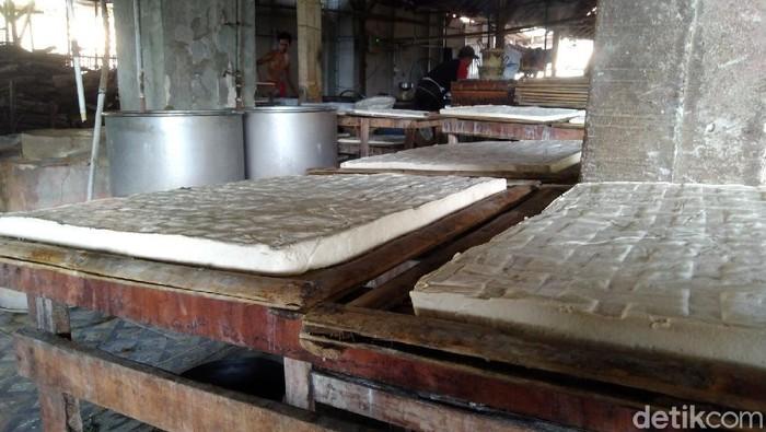 Produksi tahu di Pandeglang, Banten.