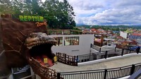 Ini adalah kebun binatang tertua peninggalan Belanda di Indonesia lho. Taman ini dibangun apda tahun 1900 dengan nama Stormpark. (dok bukittinggikota.go.id)