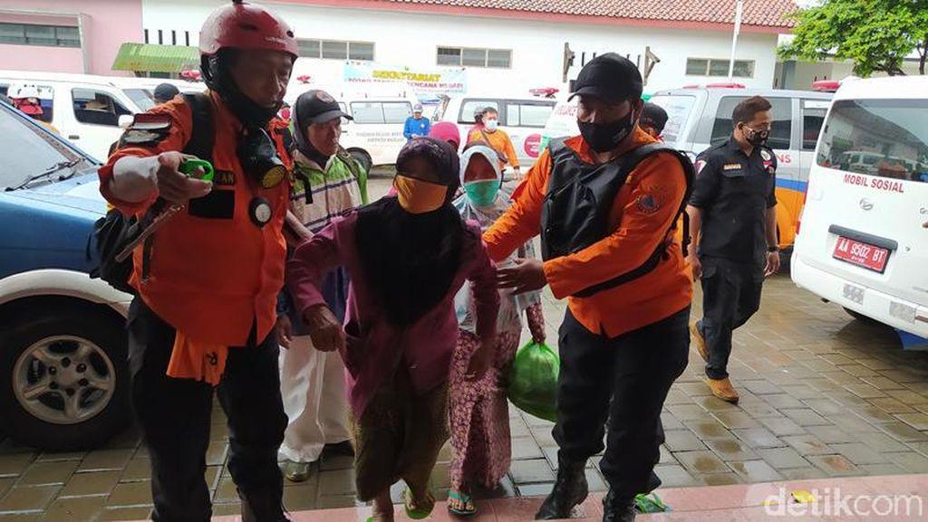 6 Hari di Rumah, Ratusan Warga Magelang Kembali Mengungsi