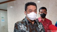 Pemprov DKI Bakal Susun Sanksi bagi Toko Pajang Iklan Rokok
