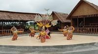 Wisatawan pun disuguhkan sarapan pagi di tengah sawah dengan alunan musik gamelan khas jawa serta tari tradisional.
